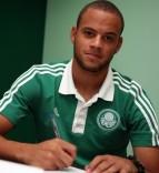 bruninho_signing