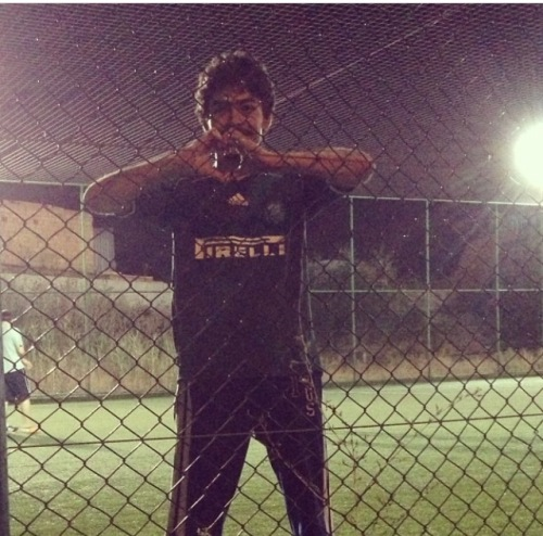 This is me some two years ago, back in Turkey, with my Palmeiras jersey! Look I made a heart for you guys! :))
