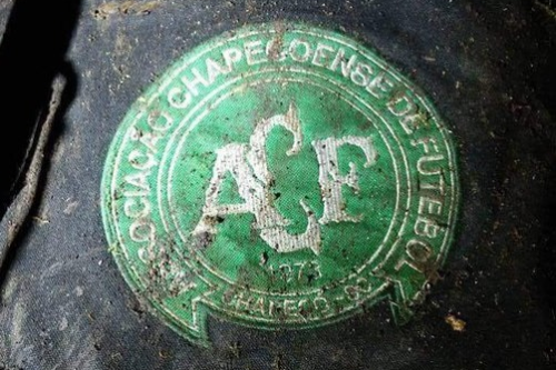 chape_soiled_badge_cropped2